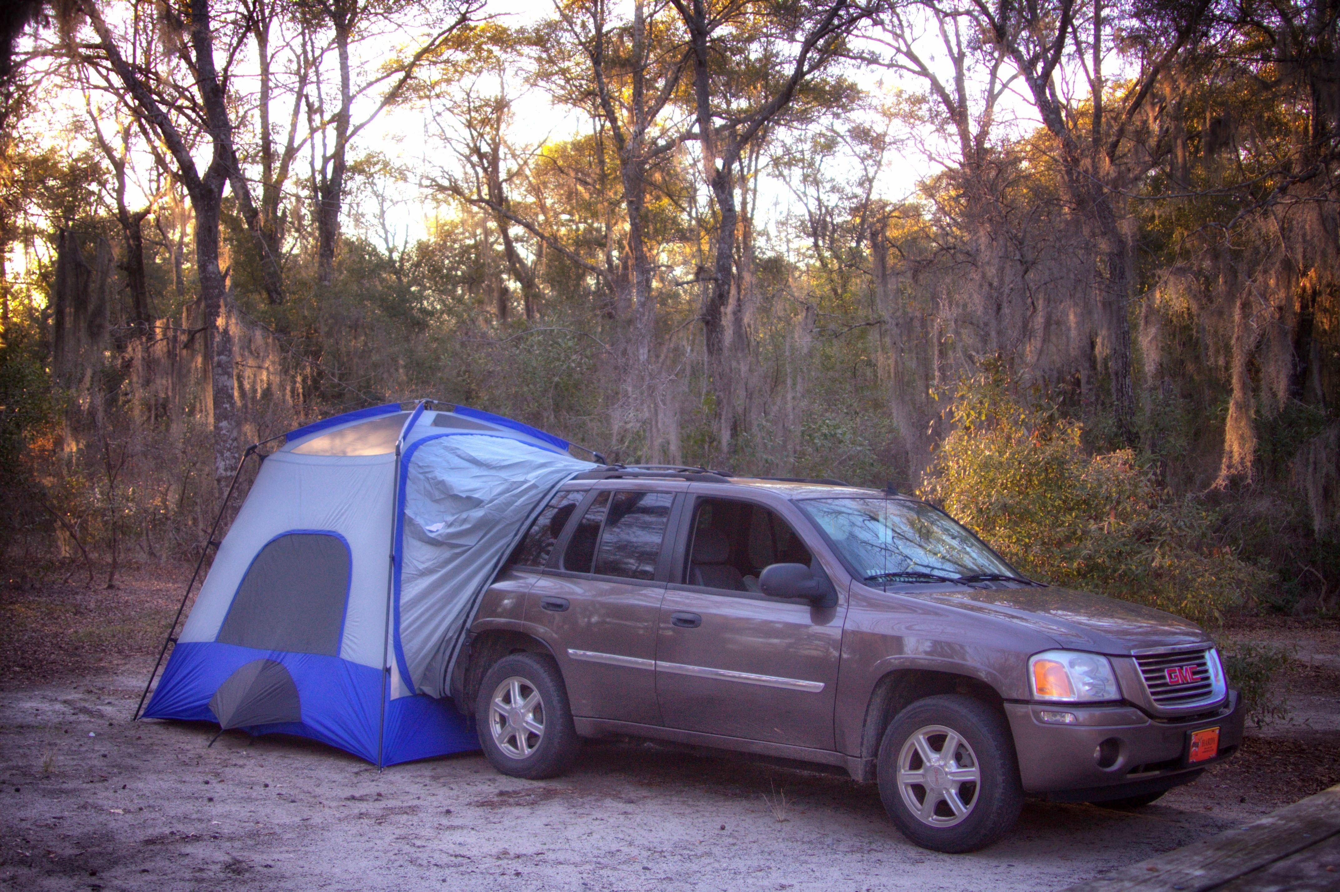 4 things I love about a tent that attaches to our SUV